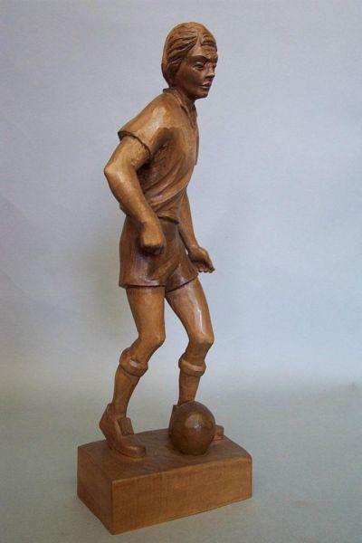 Fußballer Lindenholz gebeizt