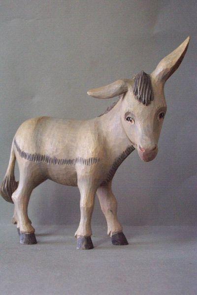 Esel, Linde detailliert lasiert