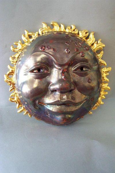 Sonnenfinsternis Maske gefaßt