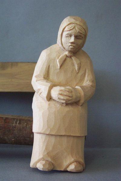 Frau sitzend, Kinderkrippe Linde natur