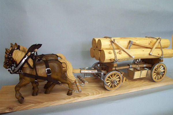 großer Blöcherwagen mit 2 Pferden, Lindenholz natur / gebeizt ohne Fuhrmann