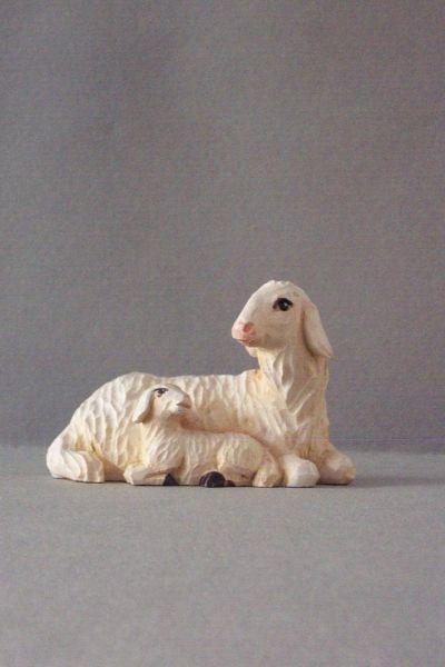 Mutterschaf 3 mit Lamm liegend Weymouthskiefer lasiert