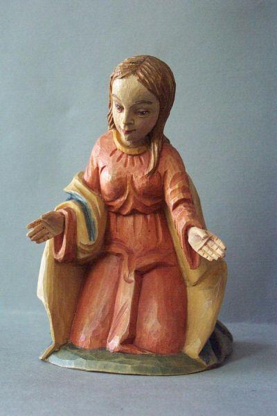 Maria kniend, Linde detailliert lasiert