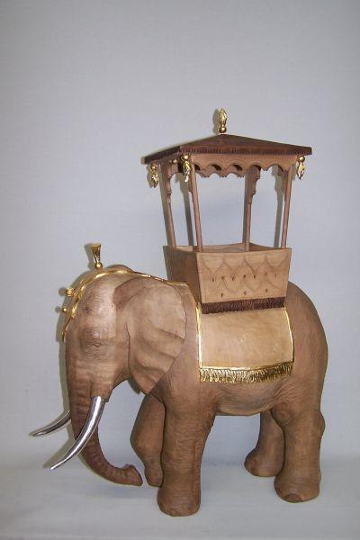 Elefant mit Sänfte