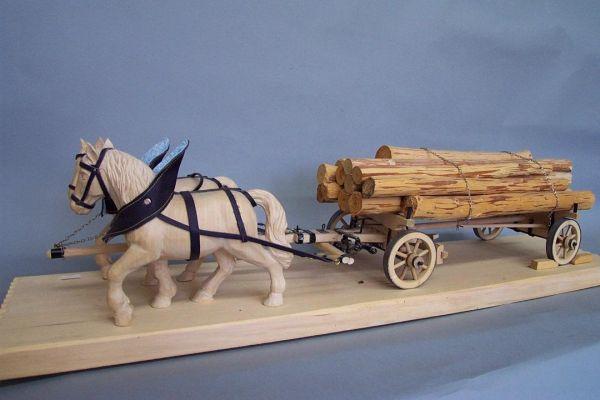 kleiner Blöcherwagen mit 2 Pferden, Lindenholz natur