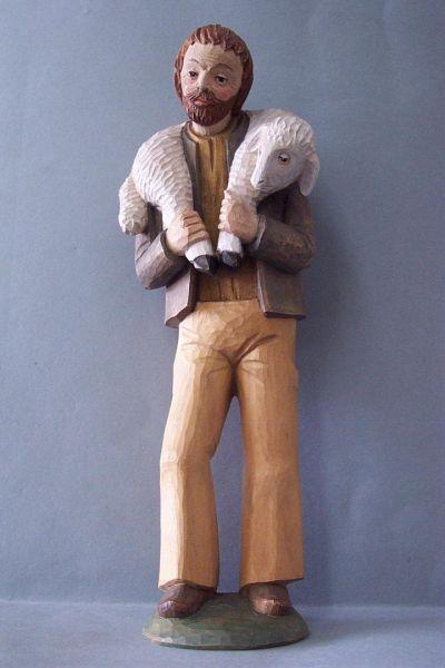 Hirte 1 mit Schaf, Linde detailliert lasiert