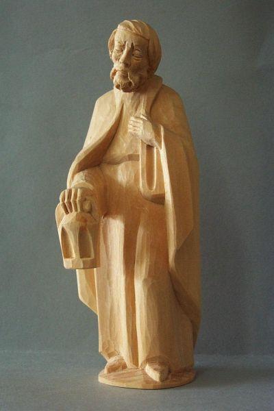 Josef stehend, Weymouthskiefer natur