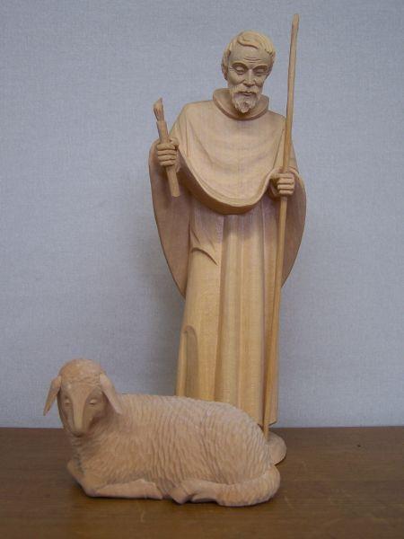 Gute Hirte mit Schaf natur