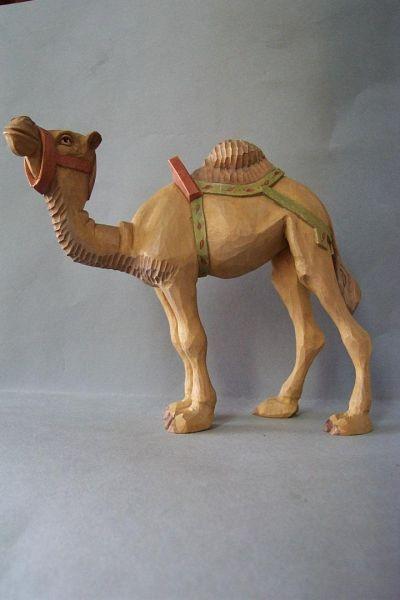 Kamel 1 stehend, Weymouthkiefer lasiert