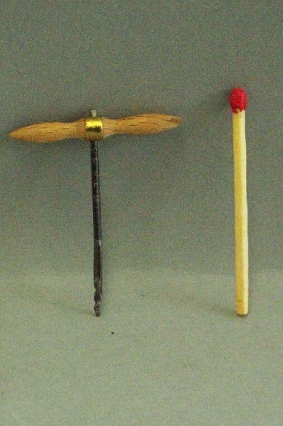 Handbohrer/Eiger mit Holzgriff