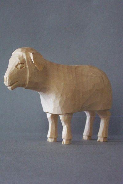 Schaf stehend, Kinderkrippe Linde natur