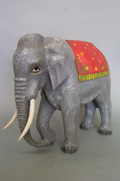 Elefant mit Decke, Linde detailliert lasiert