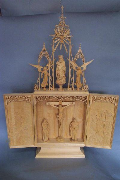 Altar mit Aufsatz