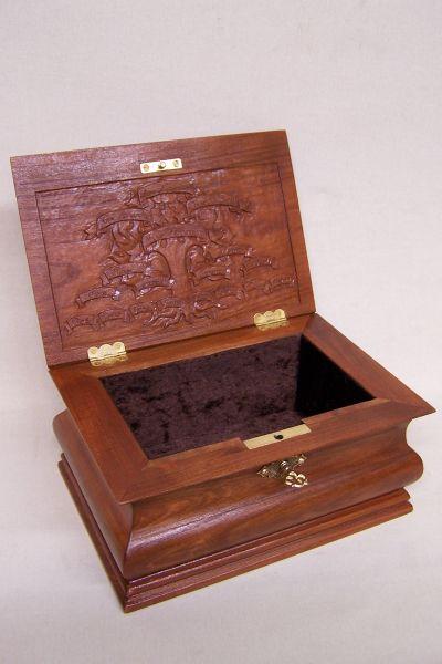 Holzschatulle aus Kirsche